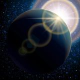 Il pianeta Terra, fondo astratto, ha messo lo spazio stellato del modello ed il chiarore solare Usi lo spazio della galassia del  Fotografia Stock Libera da Diritti