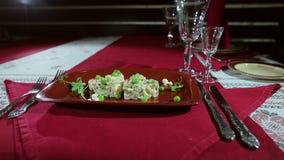 Il piatto al ristorante stock footage
