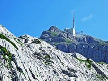 Il picco alpino bello e dominante di Säntis nella catena montuosa di Alpstein immagine stock libera da diritti
