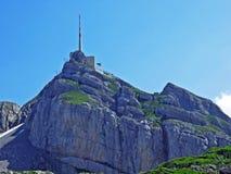 Il picco alpino bello e dominante di Säntis nella catena montuosa di Alpstein fotografia stock libera da diritti