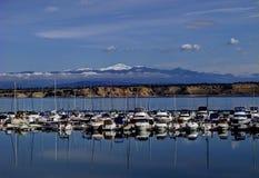 Il picco del luccio visto dal pueblo del lago Fotografia Stock Libera da Diritti
