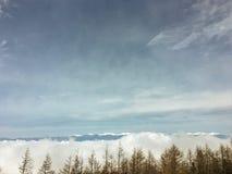 Il picco di cielo blu nell'inverno sulla montagna di Fuji nel Giappone Neve superiore della montagna di Fuji la bella potrebbe 4? fotografia stock libera da diritti