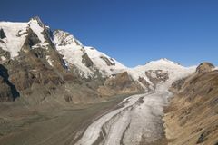 Il picco di Großglockner ed il ghiacciaio di Pasterze in Austria Fotografia Stock