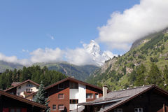 Il picco leggendario in nuvole, Svizzera del Cervino Immagine Stock Libera da Diritti