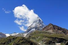 Il picco leggendario in nuvole, Svizzera del Cervino Fotografia Stock