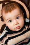 Il piccolo bambino è sorpreso immagine stock libera da diritti