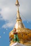 Il piccolo Giants custodice la pagoda Fotografia Stock Libera da Diritti