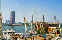 Il piccolo porto dell'yacht Immagine Stock