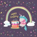 Il piccolo unicorno celebra il compleanno con un dolce delizioso illustrazione di stock