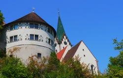 Il piccolo villaggio di Engen Hegau in Germania ed il tedesco anziano alloggia l'architettura Immagine Stock