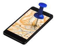 Il Pin blu ha attaccato in un dispositivo di Smartphone GPS Fotografie Stock Libere da Diritti