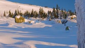 Il plateau di inverno della montagna Maly Iremel stock footage