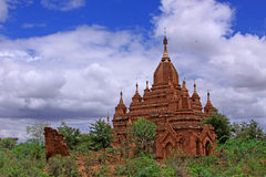 œil plus attentif à un temple dans bagan Images stock