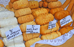 Il polacco tradizionale ha fumato il formaggio conosciuto come oscypek, Zakopane, Polonia Fotografia Stock