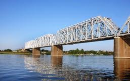 Il ponte attraverso il fiume Volga in Yaroslavl Fotografia Stock
