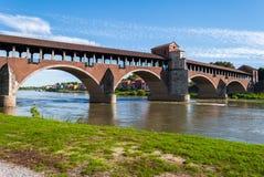 Il Ponte Coperto a Pavia (Italia del Nord) sopra il fiume il Ticino Fotografie Stock Libere da Diritti