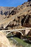 il ponte del canyon di Colca fotografia stock