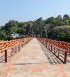 Il ponte del cemento di direzione Fotografie Stock Libere da Diritti