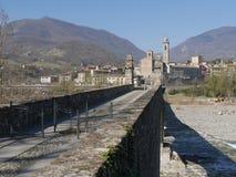 Il ponte del diavolo in Bobbio fotografia stock