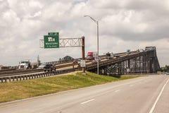 Il ponte del fiume di Calcasieu in Westlake, U.S.A. fotografia stock libera da diritti