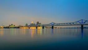 Il ponte di Clark Memorial, il fiume Ohio e Louisville KY Fotografie Stock Libere da Diritti