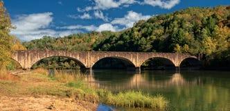 Il ponte di Gatliff nel parco di stato del Cumberland fotografia stock libera da diritti