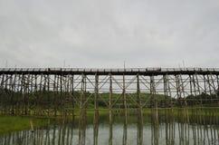 Il ponte di legno più lungo della Tailandia Immagine Stock Libera da Diritti