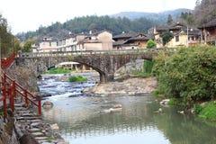 Il ponte di pietra delle strutture di terra del Fujian Fotografia Stock Libera da Diritti