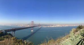 Il ponte dorato del Portogallo Immagini Stock