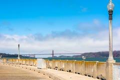 Il ponte nelle nuvole fotografia stock libera da diritti