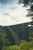 Il ponte sopra la nuova gola del fiume in Virginia Occidentale fotografie stock libere da diritti
