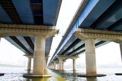 Il ponte sopra Namhangang, fiume di Namhan, Han rive Fotografie Stock Libere da Diritti