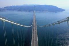 Il ponte sospeso si collega con Kobe e Awaji Fotografie Stock Libere da Diritti