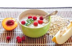 Il porridge di avena-si sfalda Fotografia Stock Libera da Diritti