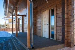 Il portico di nuova casa di legno Fotografia Stock Libera da Diritti