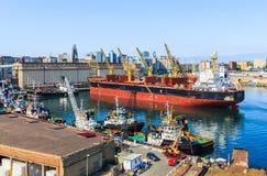 Il porto marittimo di Napoli immagine stock libera da diritti