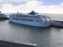 Il porto per le navi di tutte le dimensioni nella città di Funchal Madera fotografie stock libere da diritti