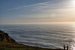 Il Portogallo d'esplorazione Oceano di Cabo da Roca e landsc di Mountain View immagini stock