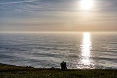 Il Portogallo d'esplorazione Oceano di Cabo da Roca e landsc di Mountain View fotografie stock libere da diritti