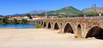 Il Portogallo, Ponte de Lima: ponticello romano antico Fotografia Stock
