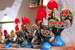 Il Portogallo; un gallo di ceramica Fotografia Stock