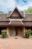 Il portone del portico antico di Wat Sisaket Monastery a Vientiane, Laos fotografia stock