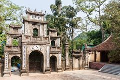 Il portone della pagoda di Thien Tru Fotografie Stock Libere da Diritti