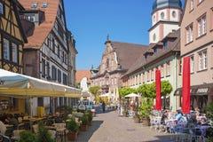 Il posto della chiesa con il comune ed il comune si elevano in Ettlingen Immagini Stock Libere da Diritti