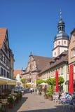 Il posto della chiesa con il comune ed il comune si elevano in Ettlingen Fotografie Stock Libere da Diritti