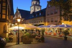 Il posto della chiesa con il comune ed il comune si elevano in Ettlingen Fotografia Stock Libera da Diritti