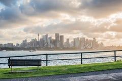 Il posto piacevole della sedia per la vista di Sydney sul tramonto Fotografie Stock Libere da Diritti