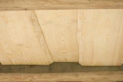 Il primo piano del soffitto delle plance di legno da desidera ardentemente la casa di ceppo Fotografia Stock