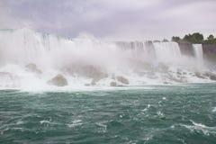 Il primo piano di cascate del Niagara, l'americano cade e cadute nuziali di velo Fotografia Stock Libera da Diritti