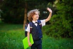 Il primo selezionatore biondo va a scuola Fotografie Stock Libere da Diritti